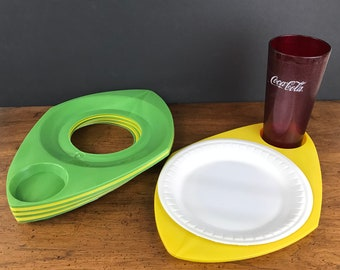 Set of 8 Funky Retro Plate & Cup Holders - Vintage Plastic Mid-Century Picnic Trays - Vivid Green Yellow Atomic Diner Style Charger Plates