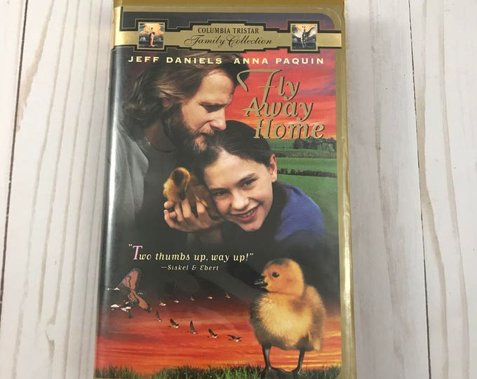 Fly Away Home VHS Tape - Clam Shell Case - Animal Movie - Clam Shell Case - Family Film - Anna Paquin, Jeff Daniels  - VCR Videos on Sale