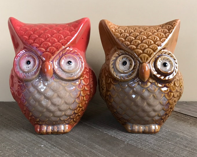 Cute n' Kitschy Ceramic Owl Figurine Set - Vintage Red / Tan Brown His & Her Owls - Retro Big Eyed Owl Love Birds - Pyrex Photo Staging Prop