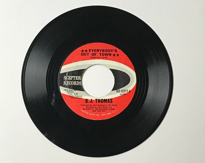 """B.J. Thomas Everybody's Out of Town / Living Again 45 RPM Vinyl Record - 1970's 7"""" Jukebox Single - 1970 Scepter Records - 70's Pop Rock"""