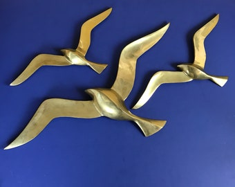 "Mid-Century Modern Large 20"" Brass Seagull Wall Hanging Trio - Vintage Gold-Tone Flying Ocean Birds Coastal Lounge Decor - Retro Peace Doves"