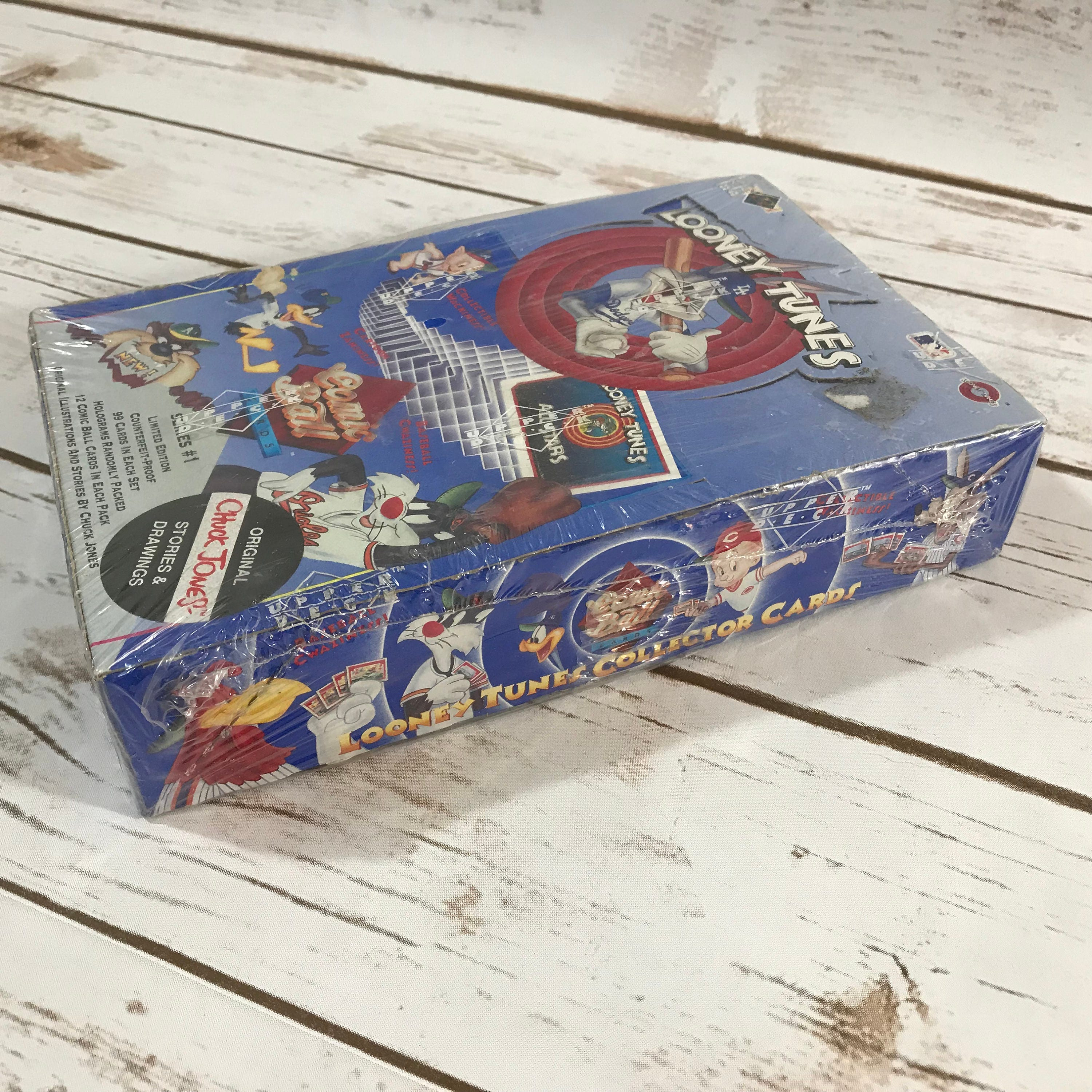 Upper Deck Looney Tunes Limited Edition Comic Ball Trading Cards Pack 12 cards per pack