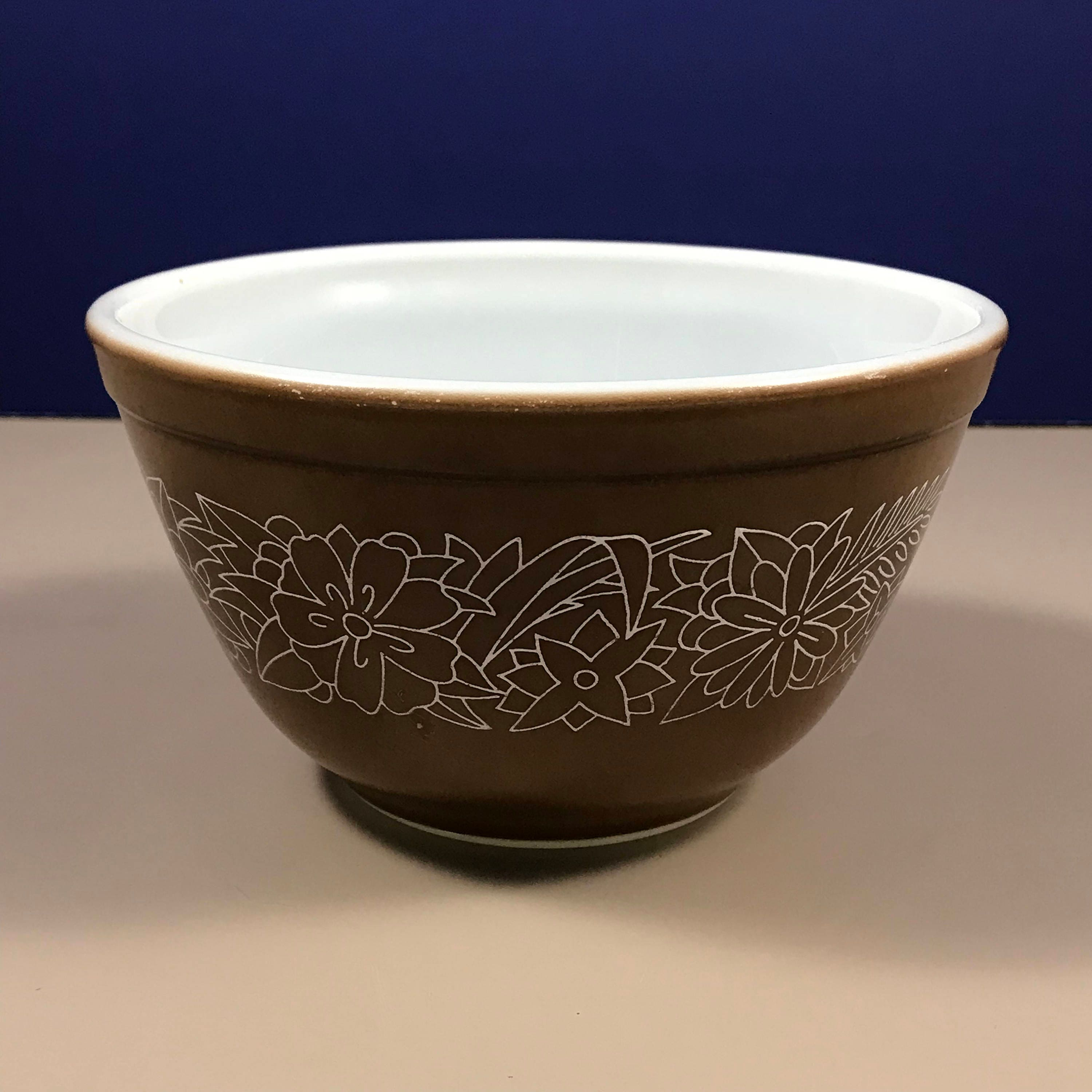 Small Woodland Pyrex Mixing Bowl - Retro Brown 1.5 pint (.750 ml ...