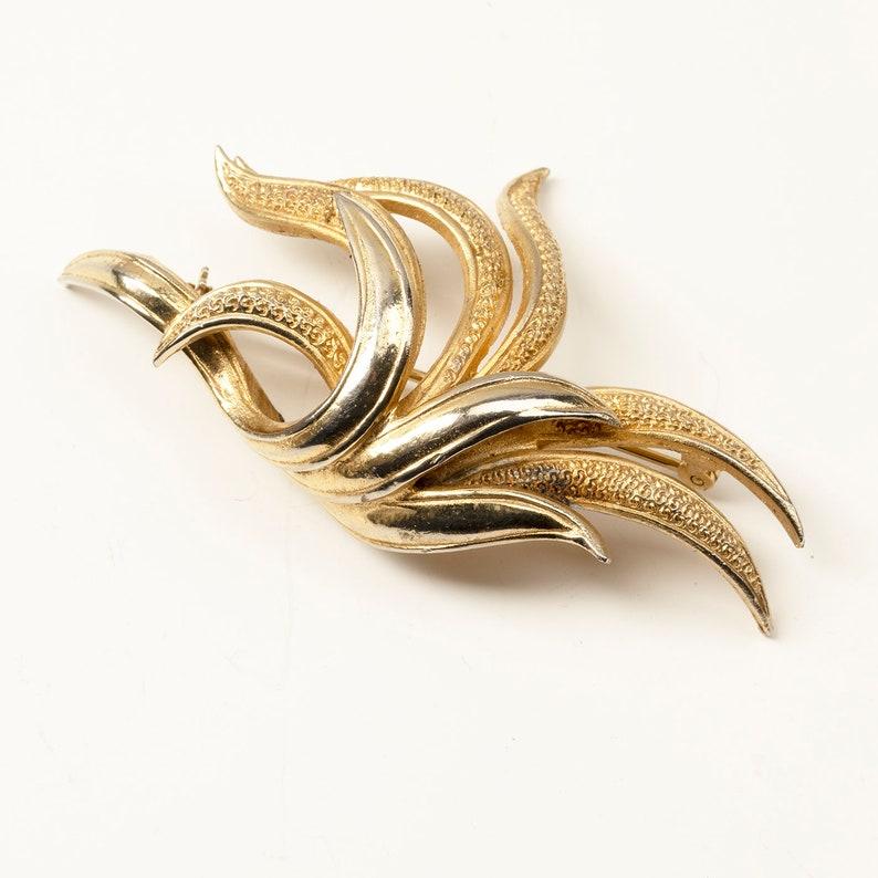Vintage modernista brooch,mid-century modern Gold coloured BROOCH