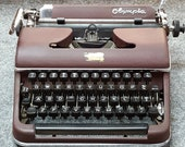 FREE SHIPPING 1952 Olympia SM2 Portable Typewriter Good Working Condition