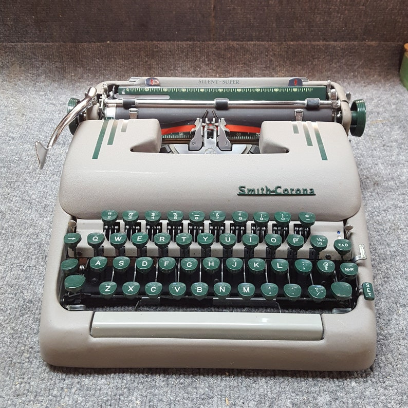 FREE SHIPPING 1956 Smith Corona Silent Super Typewriter Good image 0