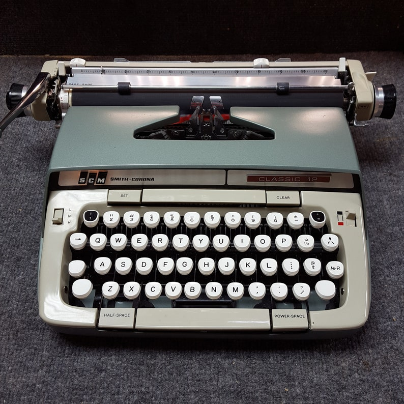 FREE SHIPPING 1969 Smith Corona Classic 12 Portable Typewriter image 0