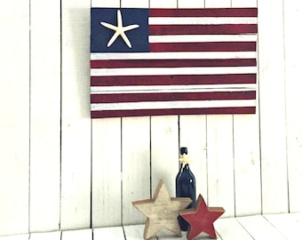 Wood American Flag, Starfish Flag, Primitive Americana, Rustic Beach Flag, Patriotic Flag, Reclaimed Wood Flag, 4th of July Decor