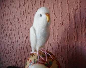 Needle felted budgie, felted cockatiel, felted bird, felted parrot, felted bird gifts, parakeet, white budgie,handmade budgie