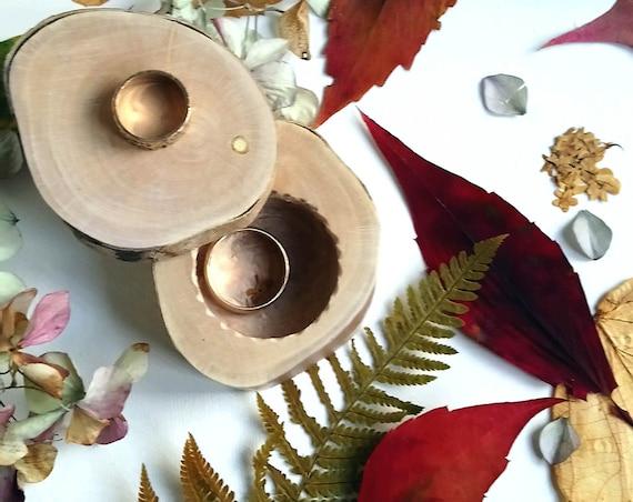 Ring Box * Engagement ring box * Wedding ring box * Ring bearer box * Wooden ring box  * Rustic ring box *  Handmade in Wales