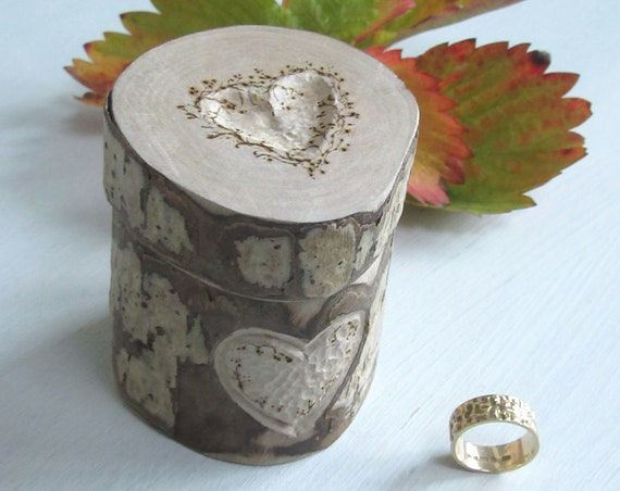 Ring Box * Engagement ring box * Wedding ring box * Ring bearer box * Wooden ring box  * Rustic ring box *  Handmade in Wales