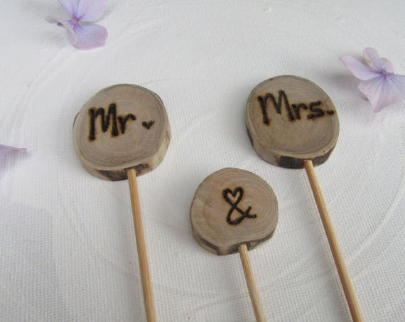 Wedding Cake Topper * Mr&Mrs cake topper * Wedding Day   * Tree Carving * Rustic Slices *