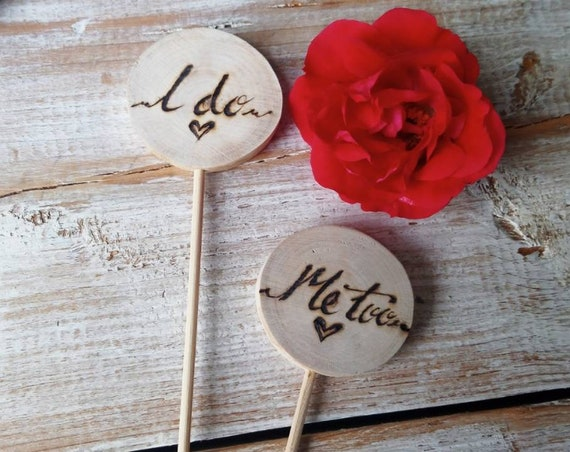 Wedding Cake Topper * Rustic cake toppers * Cake Topper * Mr&Mrs cake topper * Wedding Day   * Tree Carving * Rustic Wood Slices *