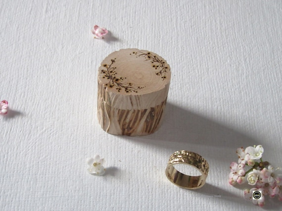 Wedding Ring Box *  Rustic ring box * Carved Box * Wooden Ring Box * Ring Bearer Box * Ring Pot * Handmade in Wales