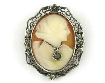 Silver Filigree Shell Cameo en Habille Brooch