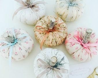 Lolli and Shell pretty pumpkin Munchkins