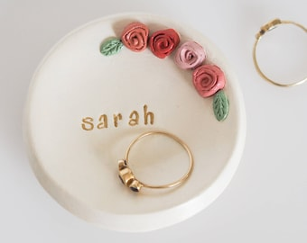 Personalized ring dish - Personalized bridesmaid gift - Custom ring holder - Floral bridesmaid jewelry holder - Gift for her - Sister gift