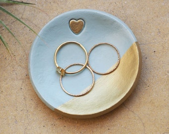 Mint green ring holder with gold accents - Mint green and gold ring dish - Handmade jewelry holder-Mint and gold jewellery dish - Valentines