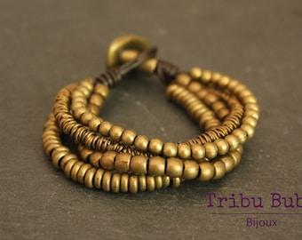 Multirang bracelet in dark brown leather and metal beads bronze
