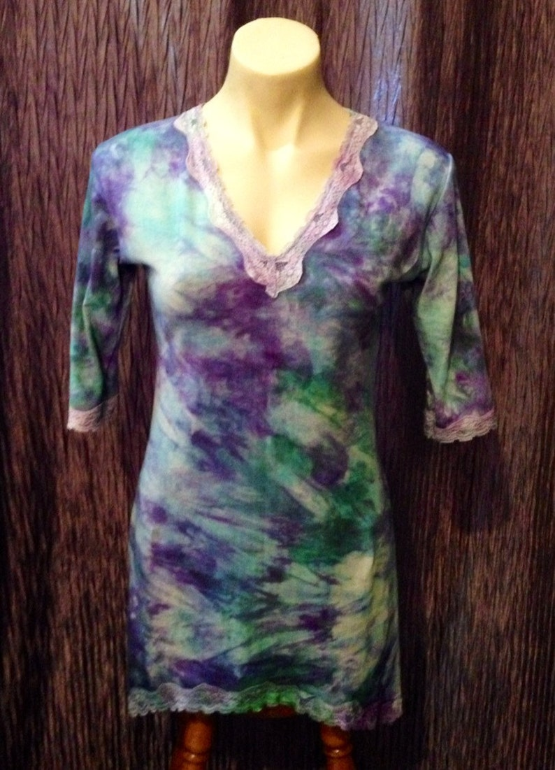 blue and green cotton Lycra Tunic top hand dyed with 34 sleeves and lace edging Aust 12-14 . Purple Size Medium