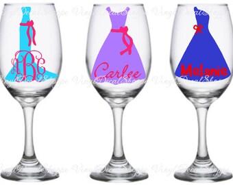 Diy mr and mrs wedding wine glass toasting flutes wedding bridesmaid gift bridesmaid wine glasses bachelorette party glasses custom wedding glasses bridal party gift wedding wine glass bridal solutioingenieria Choice Image