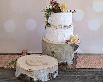 Rustic Log Cake Stand ~ Aspen Wood Cake Stand ~ Stump Cake Stand ~ Summer Wedding ~ Birch Cake Stand ~ Garden Wedding ~ Winter Wedding