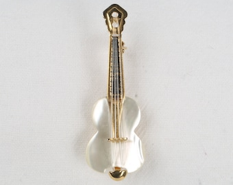 Guitar Pin Mother Of Pearl , Gold Tone Details. Plastic Strings, Near MINT  Condition. Rollover Clasp.