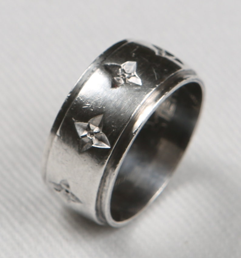 Sterling Cross Band 925 Sterling Silver Band, a Triangle w C inside Stamped  Inside, Alternating High/Low Maltese Crosses Adorn Heavy Ring