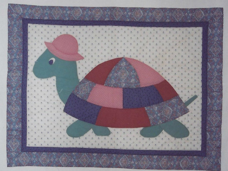 Myrtle Turtle appliqued baby quilt pattern - crib or wall hanging by Nancy  Richoux for Spring Creek NeedleArt #1003 (1990) K1168