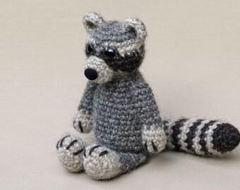 Amigurumi Croche Pattern - Bandit the Raccoon | Pattern, Amigurumi ... | 270x340