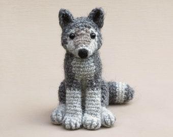 Woolfie, realistic crochet wolf amigurumi pattern