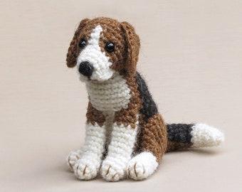 Hambea, realistic crochet beagle dog amigurumi pattern