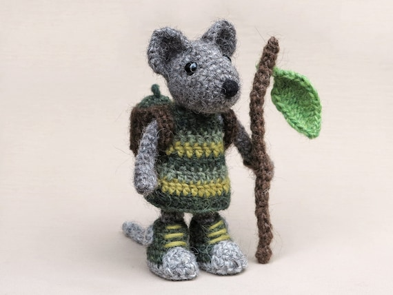 Crochet mouse amigurumi patternA | Amiguroom Toys | 428x570