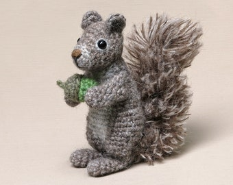 Floof, realistic crochet squirrel amigurumi
