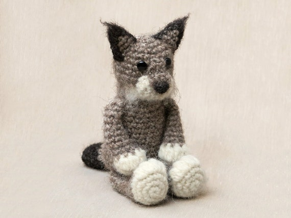 Large plush cat amigurumi pattern | Amiguroom Toys | 428x570