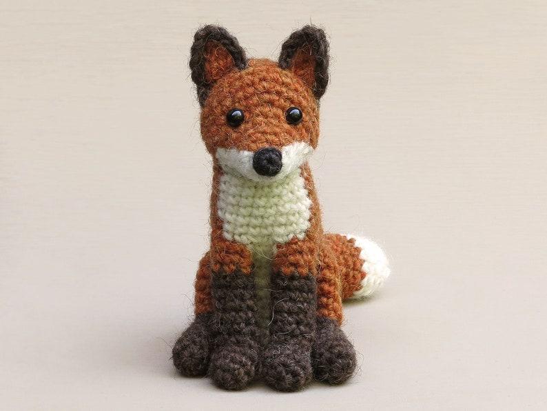 Flamsie realistic crochet fox amigurumi pattern image 0