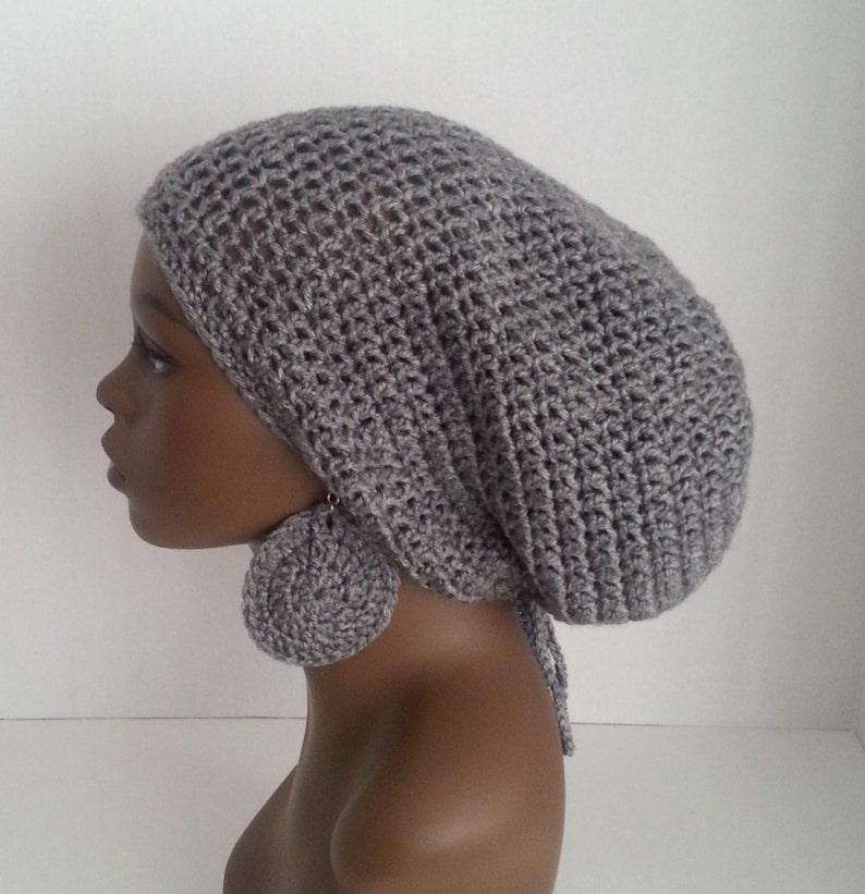 abfcbffb17 Crochet Tam avec cordon de serrage et boucles doreilles | Etsy