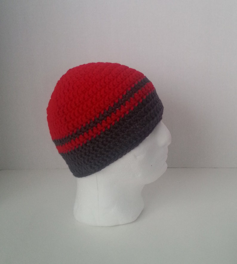 5ea84a3fd72 Mens Crochet Beanie Men s Crochet Hat Two-Toned Red and