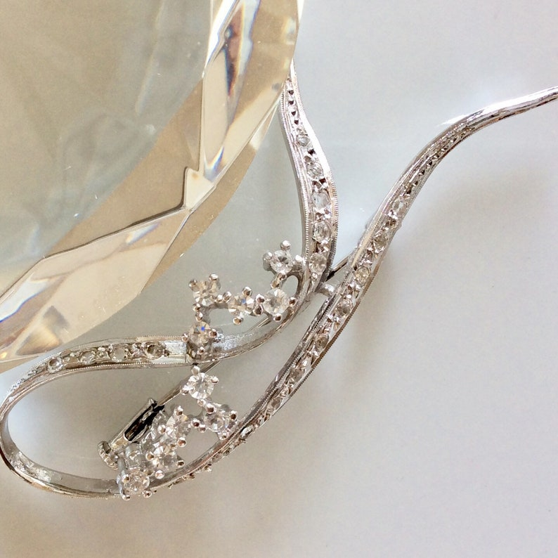 Halley/'s Comet White Topaz Crystal Brooch  Rhodium Plated over Sterling Silver