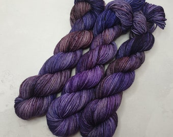 8020 super-wash  merino nylon with minis 1 x/'s 20g /& 4 x/'s 10g Dragon Thistle fingering weight set 400 yds Moon river 100 g
