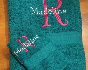 Personalized Towel/Washcloth Set with Embroidered Initial and Name, Monogrammed Towel Set, Graduation Gift, Christmas Gift