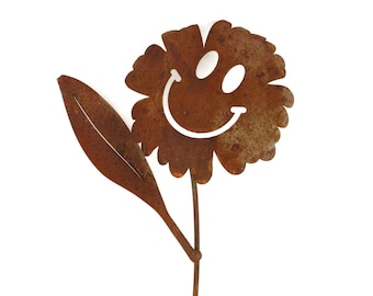 Metal Waving Smiley Face Flowers, Smiley Face, Rusty Flowers, Smiling Flower, Metal Garden Stake, Outdoor Flower Art, Yard Stake Flower