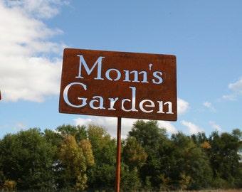 Mom's Garden Stake, Dad's Garden, Papa's Garden, garden marker, Gardener Gift, Father's day, Mother's day