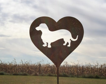 Wiener Dog Heart Garden Stake, pet memorial, dachshund love, dachshund sign, wiener dog sign, dog stake