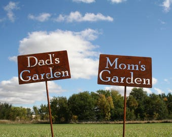 Dad's Garden Stake, Mom's Garden, Papa's Garden, Grandpa's Garden garden marker, Gardener Gift, Father's day, Mother's day