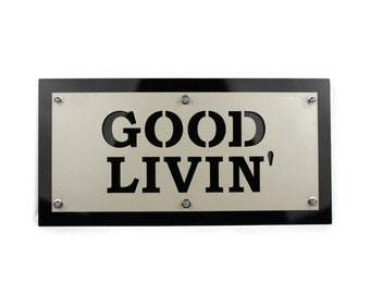 Good Livin' Metal Indoor/Outdoor Weatherproof Patio Welcome Entryway Sign