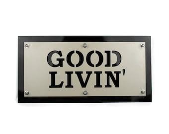 Good Livin' Metal Indoor/Outdoor Weatherproof Patio Welcome Entryway Sign