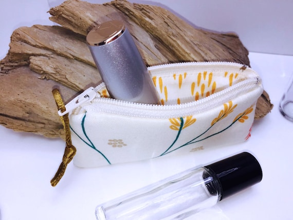 USB Case Feminine Small Zipper Pouch Doterra Oil Storage Fuchsia Shabby Lipstick Case Lip Balm Case Victorian Essential Oil Bag