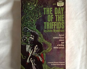 The Day Of The Triffids (Paperback Novel by John Wyndham)