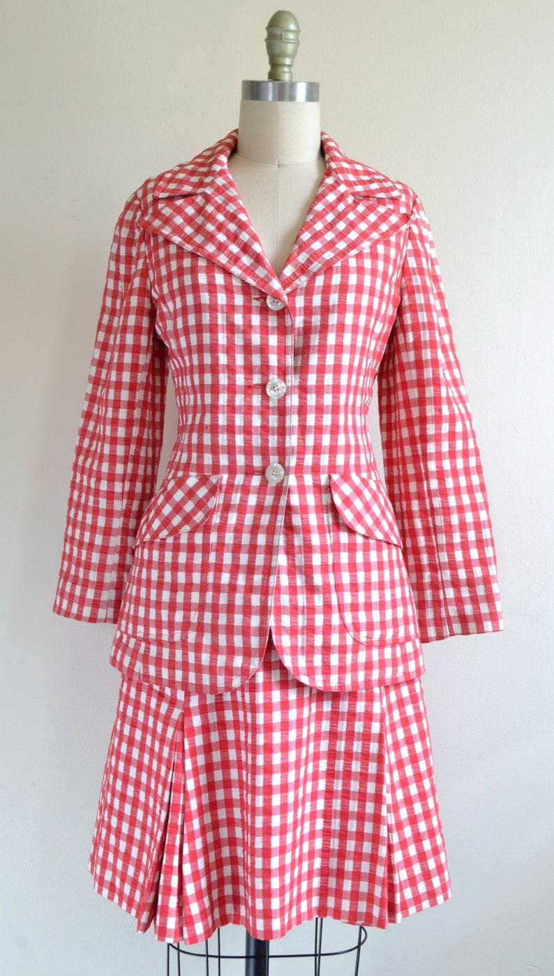 Vintage 1960s-70s    /'Al Fresco/'    Red-and-White Check Seersucker Skirt Suit    by Tina S Medium 8 of the Sidneys    Sz